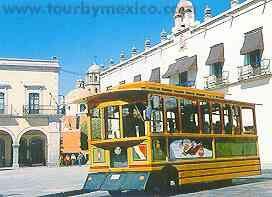 Trolley in San Juan del Rio, Queretaro, Mexico.  www.tourbymexico.com