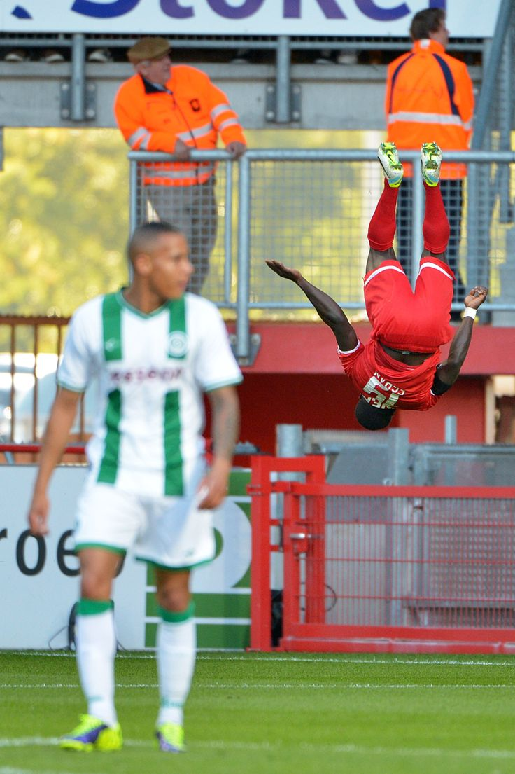 Shadrach Egan celebrates his goal for FC Twente