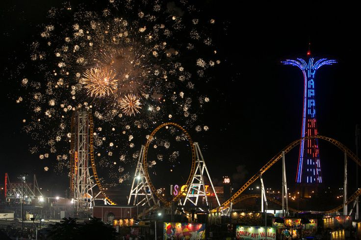 How to Photograph Fireworks Like a Pro