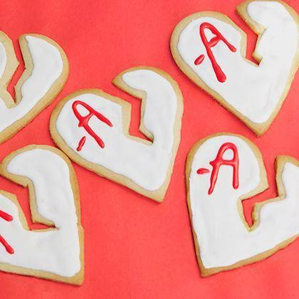 For your PLL premiere party tonight, make these tAsty treats from Spoonful.com! #pllthings