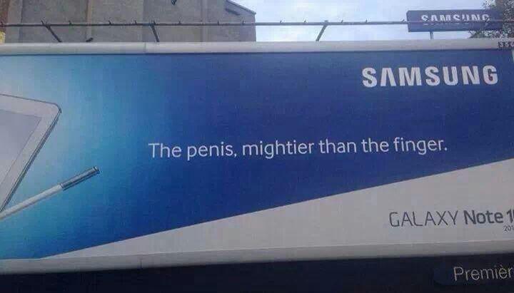 Zwak: de tekst op het billboard klopt niet Sterk: het is een groot billboard.