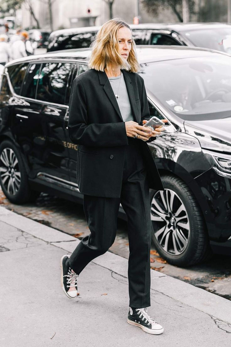vogue.es.street_style_paris_fashion_week_dia_5_elie_saab_comme_des_garcons_335572357_1200x1800