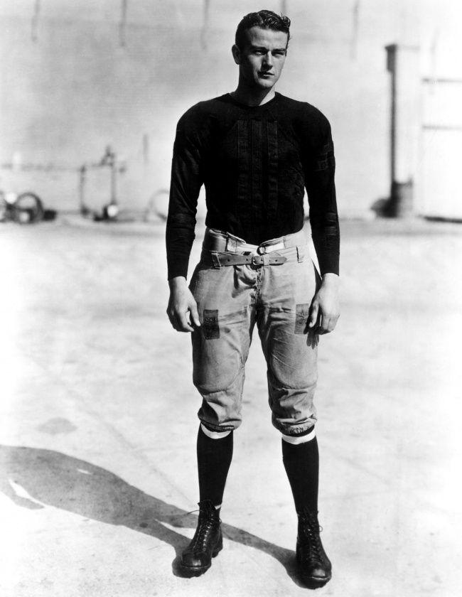 Звезды вмолодости..19-летний Джон Уэйн, 1926 г. У него оч. клевые штаны..хочу такие!