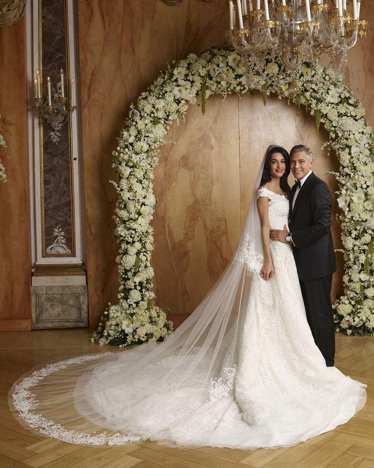 Amal Clooney married George Clooney in custom Oscar de la Renta, 2014.