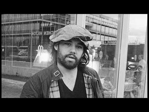 "Grateful Dead with Lowell George (L.Vocal) - ""Good Lovin'"" from 'Shakedown Street' session - YouTube"