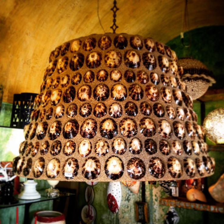 Lampadario by Salamastra in vetro resina con conchiglie e effetto sabbia. --- Large hanging lamp by Salamastra in fiberglass with real shells and sand effect.