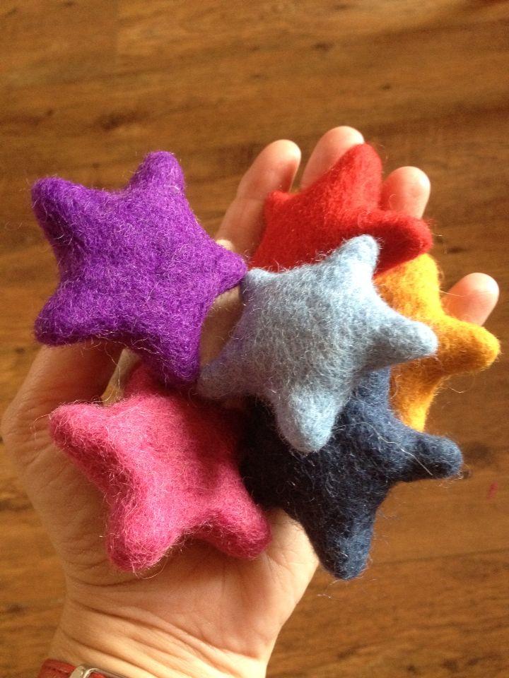 3D woolly stars from Feltfolk