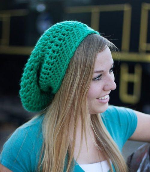 Gorros tejidos a crochet para mujer con esquema (3)