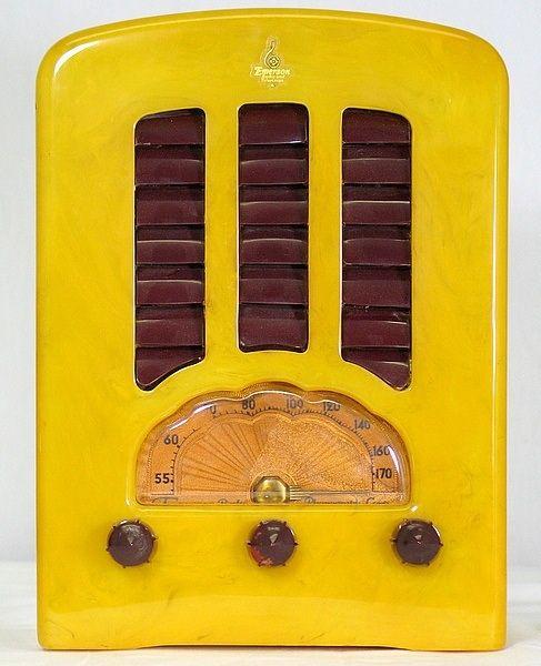 1938 Emerson Yellow Catalin Radio