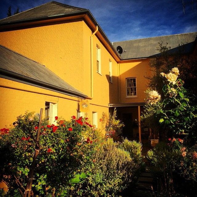 """Stayed last night at the elegant """"The Globe Inn"""", Yass, on the way to Sydney for @life_instyle, Globe Inn hosts Greg & David were very welcoming as usual and the cooked breakfast was the best! We love staying in this historic 1847 building and the boys have it perfectly furnished. Thanks guys!"""