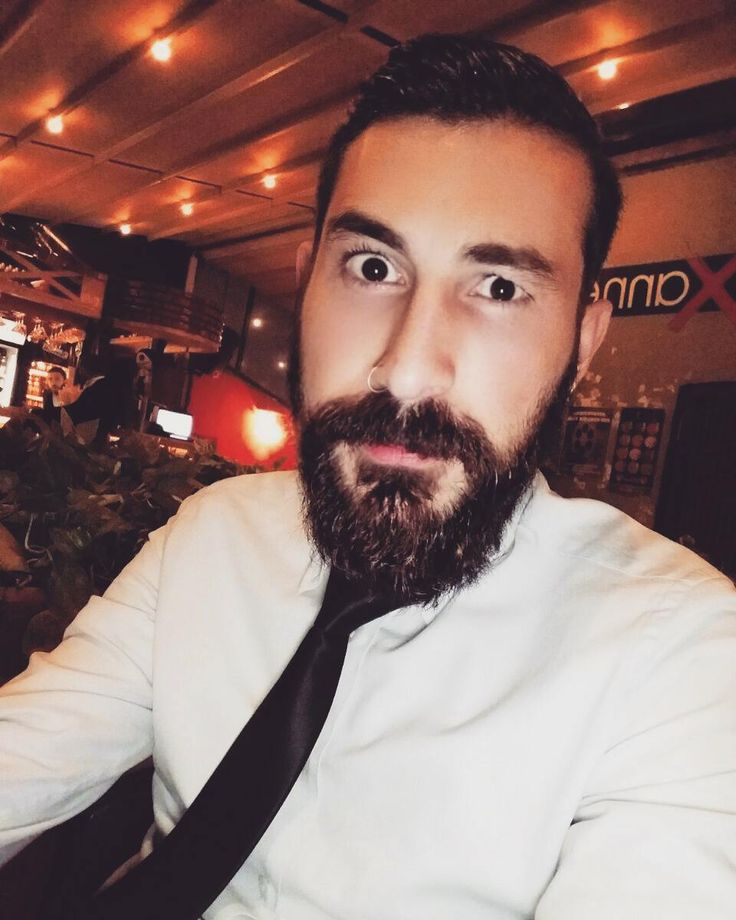 Final mi dönemi? #finals #exams #tie #beard #beardbad #beardporn #stress #finali #esami #cravatta
