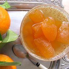Το κλασσικό γλυκό, ρολό νερατζάκι, εμπλουτισμένο με χυμό πορτοκαλιού, έτσι ώστε να σας δώσει ένα πλούσιο και ωραίο σιρόπι