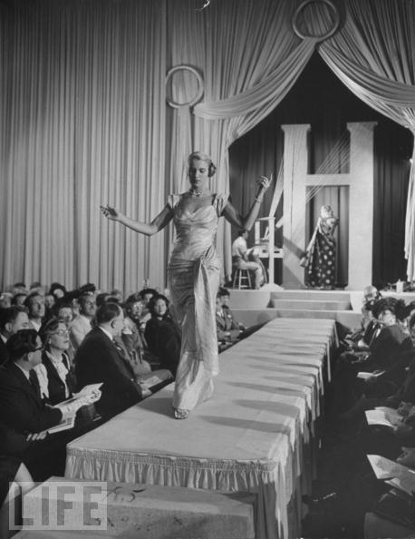 fashion show 1946