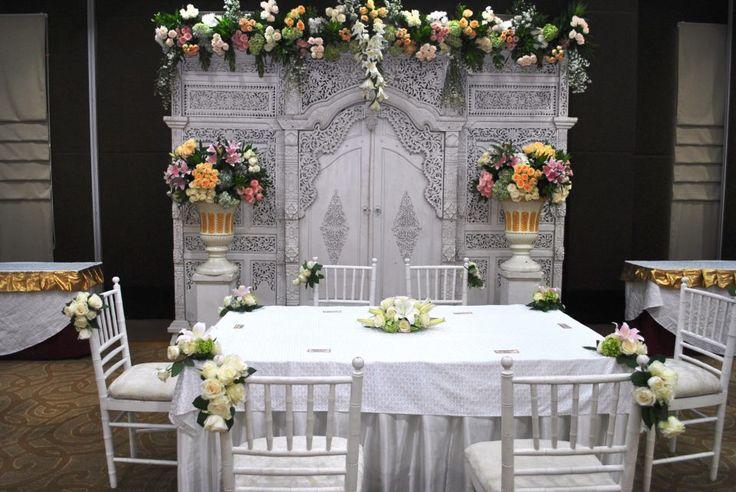 Dekorasi meja akad nikah di rumah