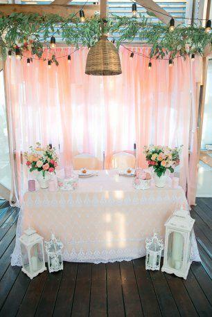 прованс без лаванды. стол молодоженов на персиковой свадьбе