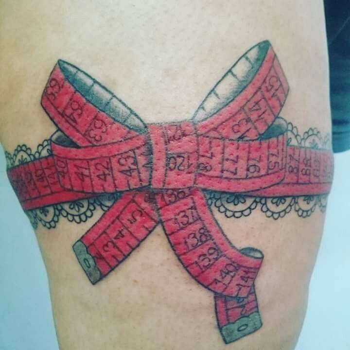 tattoo fita métrica; tape measure tattoo; cinta liga