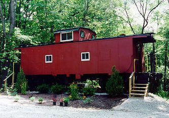 caboose!Reminds me of My favorite story that the teacher read to us! The Box Car Children!: Caboose Cabin, Goosecreek Ideas, Caboose Ideas, Brown Boys, Cool Ideas, Hocking Hills Cabins, Teacher