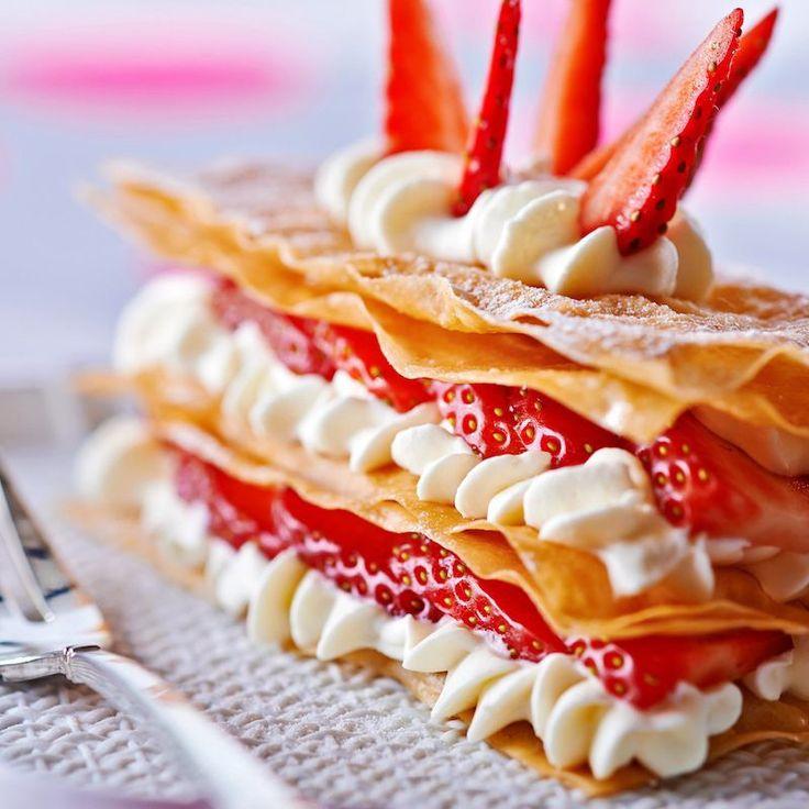 Découvrez la recette du millefeuille de tuiles aux fraises