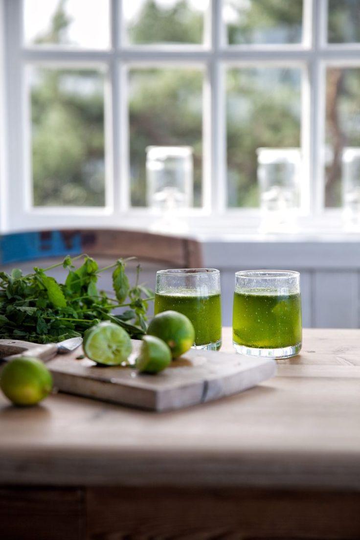 Mojito – uden alkohol er en forfriskende og læskende drik, der smager fantastisk godt. Mojito –…