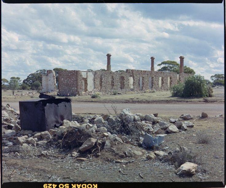 321227PD: Premier Hotel ruins, Kunanalling, 1987 http://encore.slwa.wa.gov.au/iii/encore/record/C__Rb3041213?lang=eng