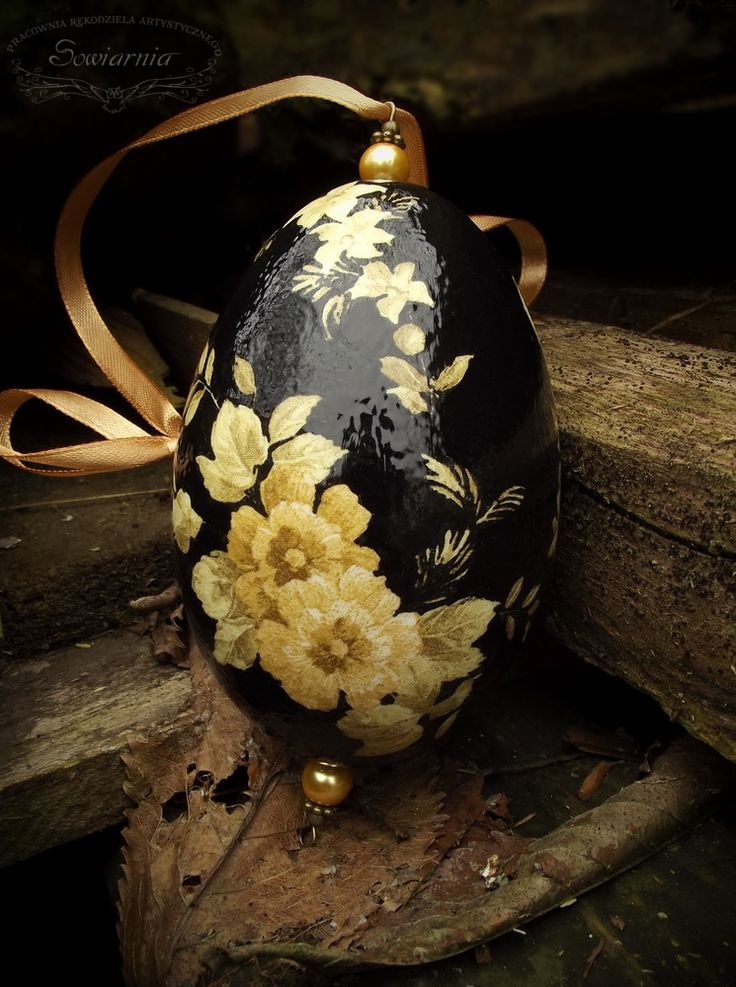 Black Easter egg with flowers