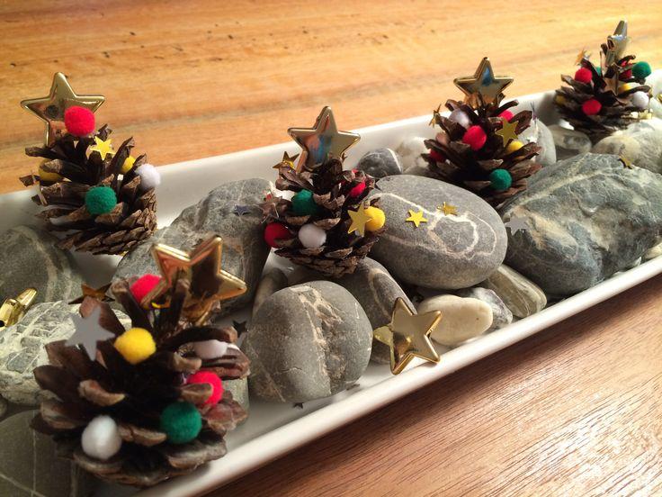 Weihnachtsbäumchen aus Tannzapfen