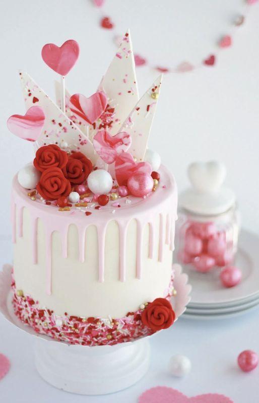 unique valentine cake designs Pasteles San Valentín  Valentines day cakes, Valentine desserts