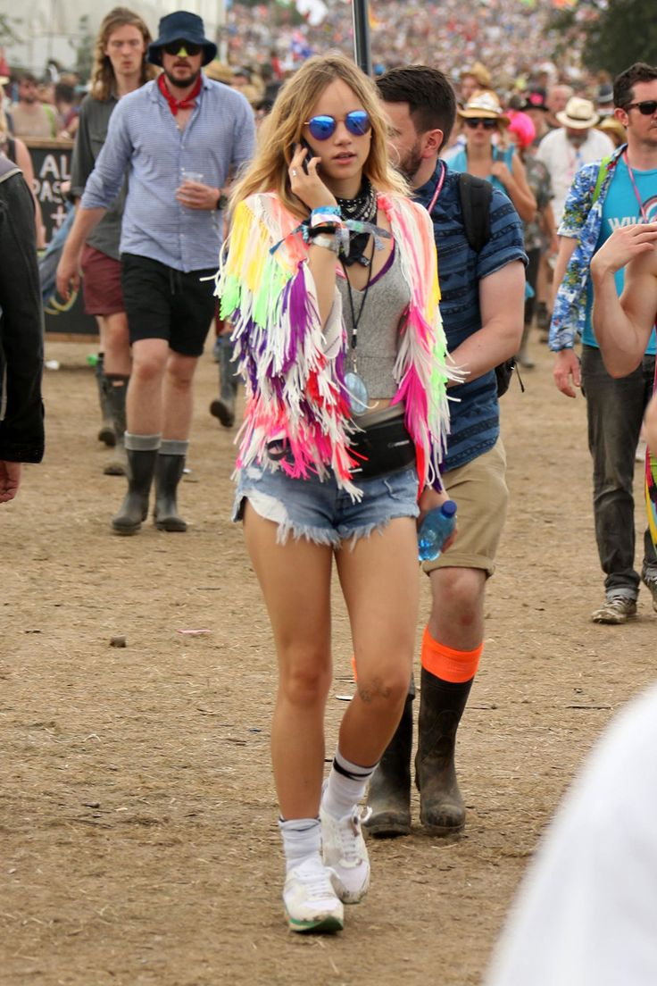 Not A Flower Crown In Sight: The Best A-List Looks From Glastonbury 2017 - Suki Waterhouse at Glastonbury 2015 from InStyle.com