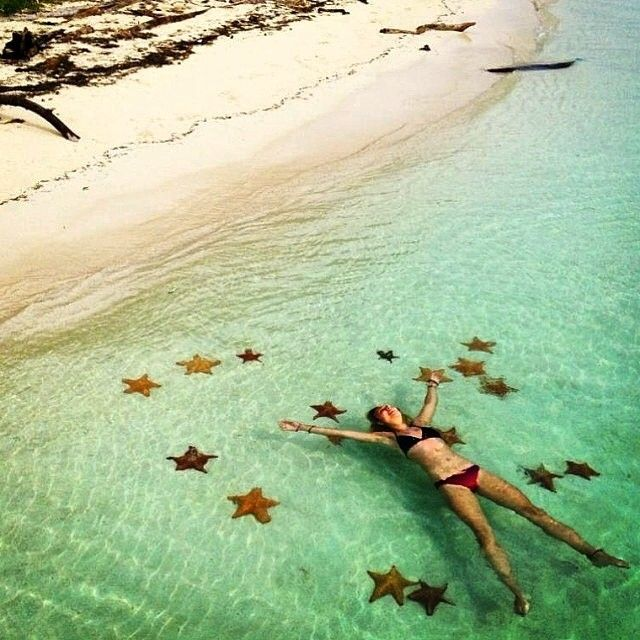 @dumbblondesabroad discovers her inner starfish in the San Blas Islands of Panama. Thanks for the tag!  #travelnewhorizons #travel #starfish #sanblas #island #panama