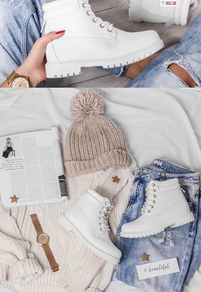 naj.sk, topánky, trapery, biele trapery, biele topánky, topánky na zimu, zimná obuv, rifle, style, cool, best, funny, jeans, rifle, blue jeans, čiapka, béžová čiapka, čiapka s bmabulkou, hodinky, zlaté hodinky, beautiful, sveter, pulover, béžový sveter