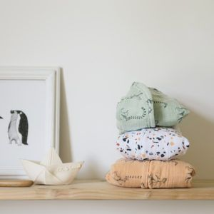 Swaddle Blanket by Milinane in cotton muslin Couverture d'emmaillotage en mousseline de coton