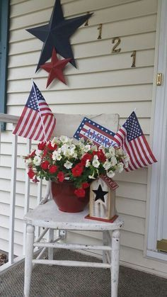 Flag Arrangement | 8 DIY July 4th Decorations Front Porches that will have your neighbors in awe!