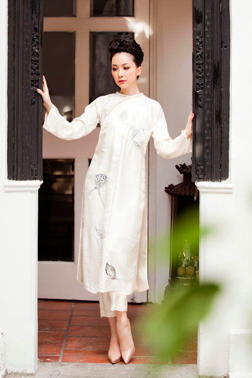 Linh Nga gây mê hoặc trong sắc áo dài - Áo dài Thanh Mai