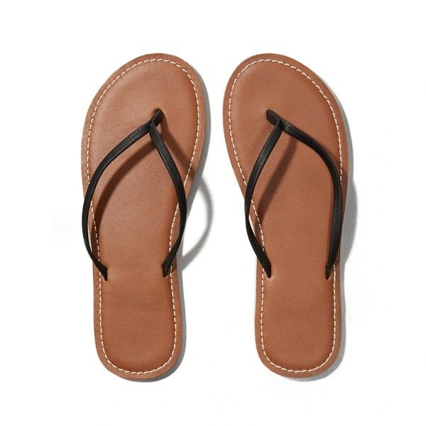 Abercrombie & Fitch Leather Flip Flops ($19) ❤ liked on Polyvore featuring shoes, sandals, flip flops, flats, sapatos, black, black flats, flats sandals, leather flat shoes and leather shoes