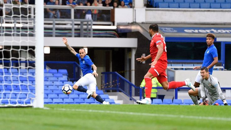 Sandro Ramirez and Kevin Mirallas score as Everton draw with Sevilla