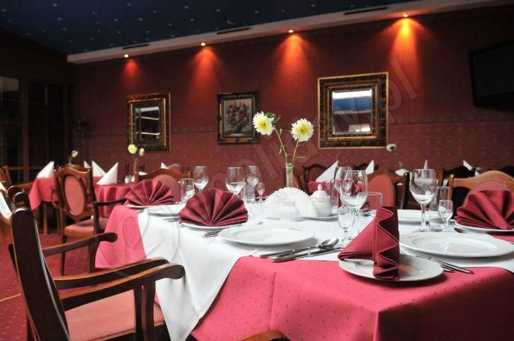 Hotel Gracja Gorzów Wielkopolski - luksusowy nocleg w niskiej cenie. Hotel Gorzów - tanie noclegi oraz luksusowe pokoje. Do dyspozycji naszych klientów jest basen gracja Gorzów, Siłownia gracja oraz Hotel spa Gorzów