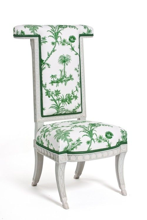 A chair, part of a series of four, made for the Turkish salon of Madame Elisabeth at her estate of Montreuil.The chair was never used, as it was only finished and delivered at the end of 1789, after the royal family was forced to the Tuileries palace in Paris. Image: © Les Arts Décoratifs / Jean Tholance