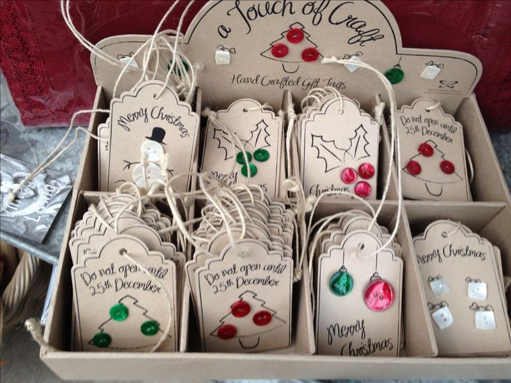Christmas tags using buttons. Simple and cute.