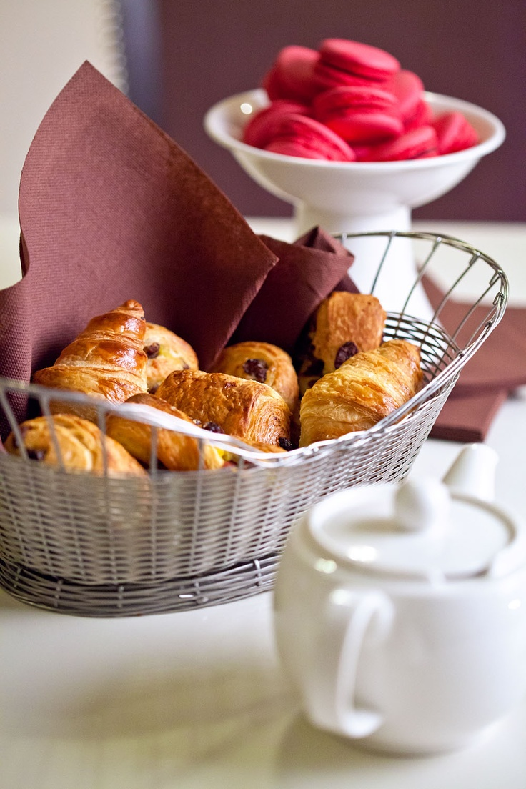 What's better than an afternoon treat? Freshly baked croissants, warm pain-au-chocolat, hot tea and a creamy macaron to finish the feast!