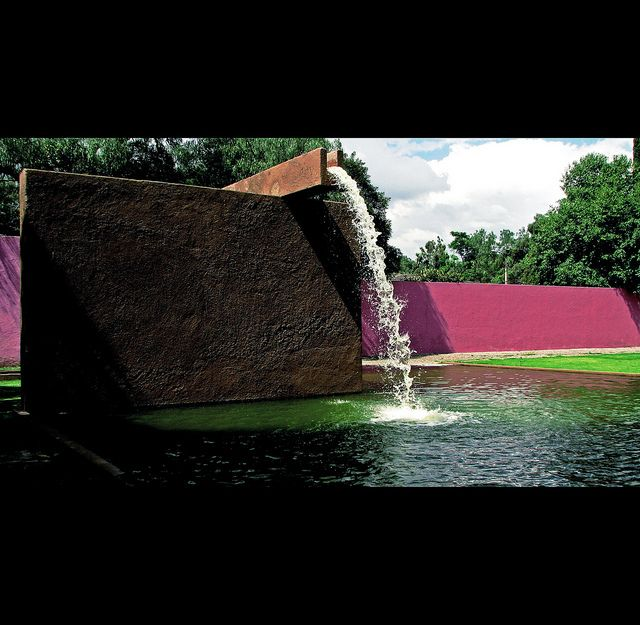 17 best images about luis barragan architect and color for Jardin 17 luis barragan