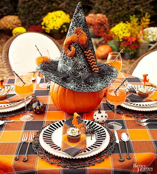 Whether you're hosting a Halloween party or whipping up sweet fall treats for the family, add festive fun with this witch hat decoration.