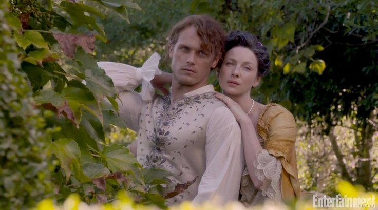 ♥️♥️♥️ Caitriona Balfe as Claire Randall Fraser and Sam Heughan as Jamie Fraser from Entertainment Weekly magazine - Outlander_Starz Season 3 Voyager - November 9th, 2017