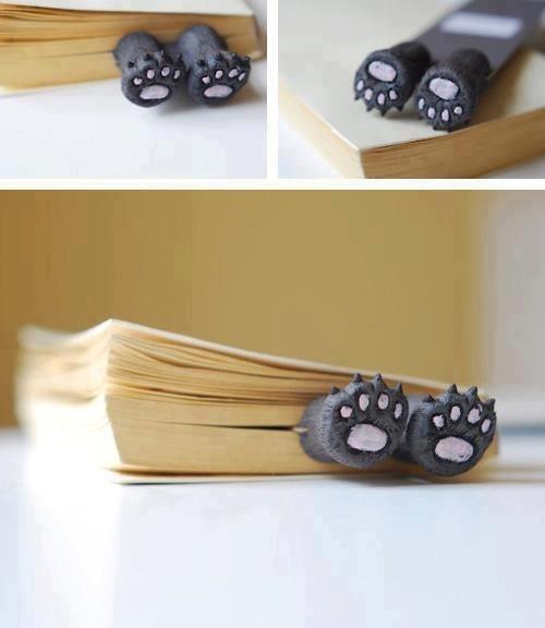 Bear paws , Bookmark