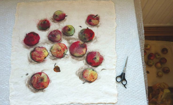 раскладка рисунка шерстью, яблоки
