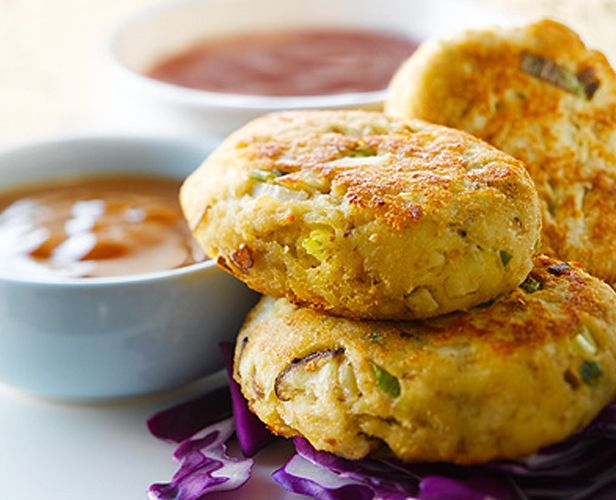 These Asian Tuna Cakes are a perfect appetizer to bring to your next dinner party! #Recipe