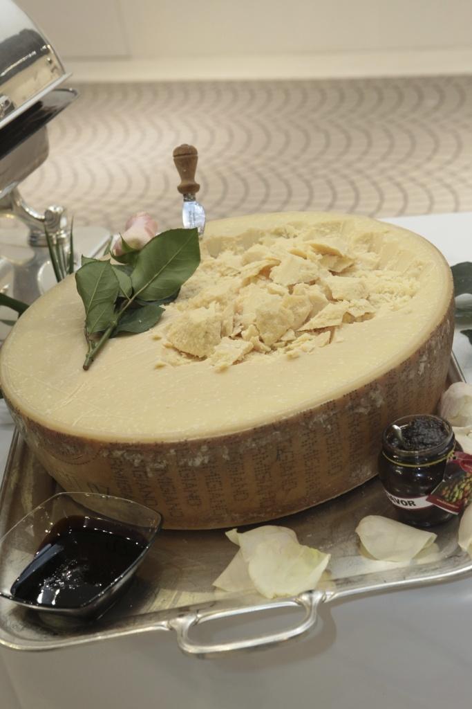 Parmigiano reggiano: irrinunciabile sulle tagliatelle