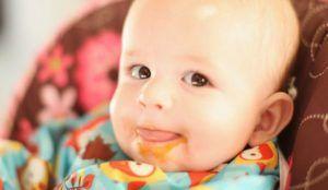 Как правильно вводить первый прикорм ребенку