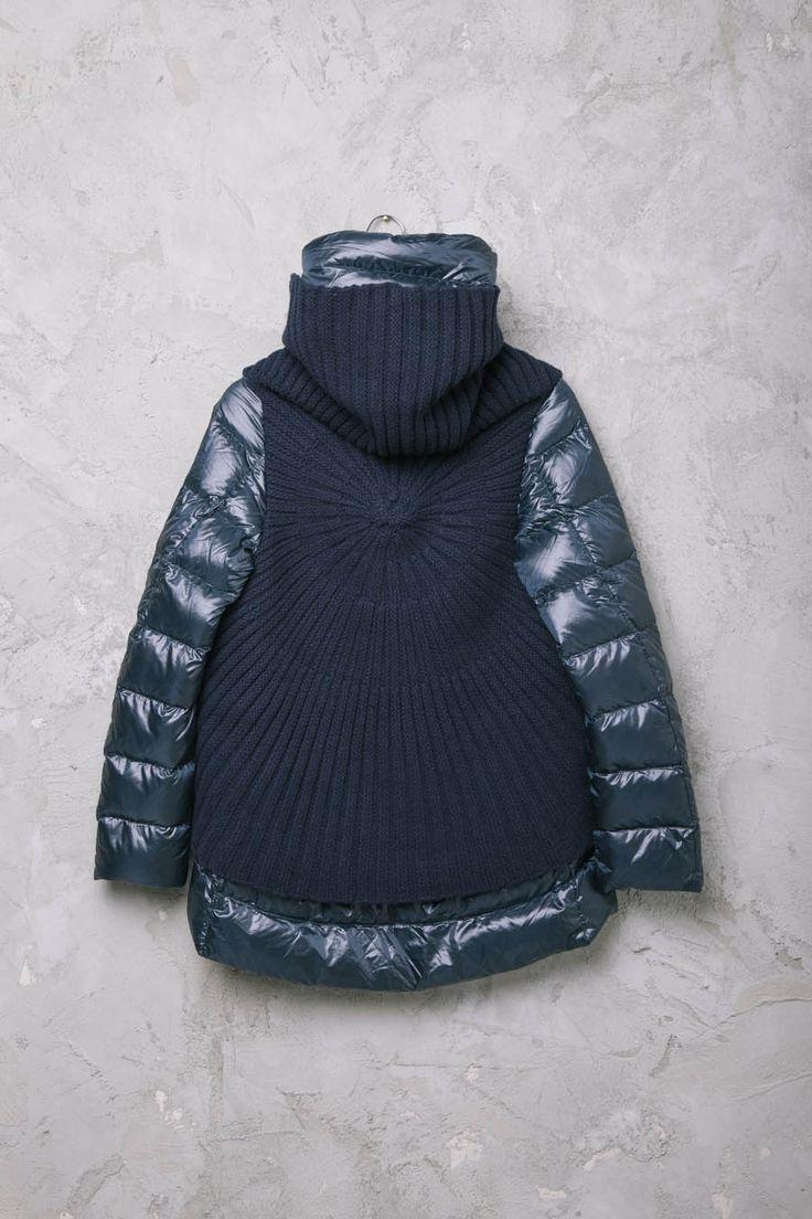 PIUMINO BLU CON PONCHO LANA  #Herno #HernoCoats #HernoJacket #PiuminiHerno #fashion #style #newin #shopping #ArchivioStore