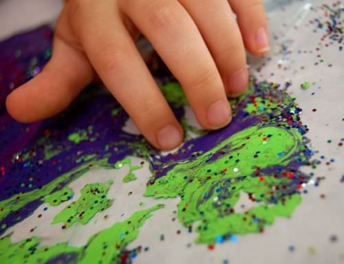 Source: InnerChildFun.com 2. Mess Free Marbled Painting No mess? Whatever it is, sign me up! Basically, mess free marbled painting is painting in a bag! All you need is a heavy duty ziploc, packing tape, paint and baby oil. Pour baby oil and paint (water soluble, washable, and liquid watercolors will do) in equal partsContinue Reading...