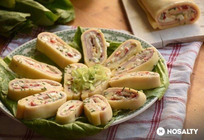 Sonkás-krémes tavaszi sajttekercs